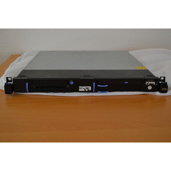 IBM 7216 Multimedia Storage Enclosure