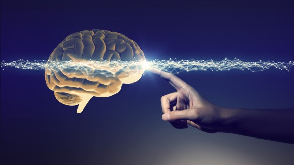 Wynaleziono implant do manipulowania komórkami mózgu za pomocą smartfona.
