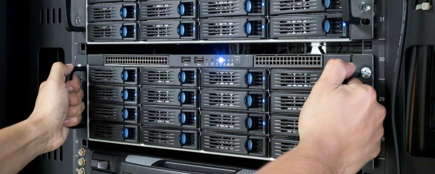 Korzyści wynikające z posiadania własnego serwera na zapleczu firmy.
