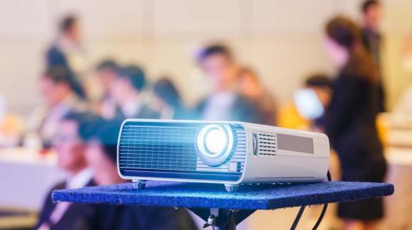 Jak przedłużyć żywotność lampy do projektora?
