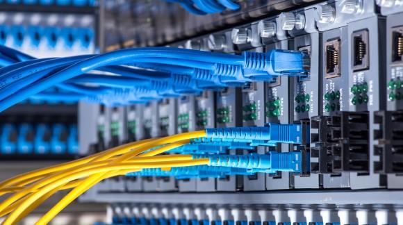W jaki sposób używany serwer staje się serwerem refabrykowanym?